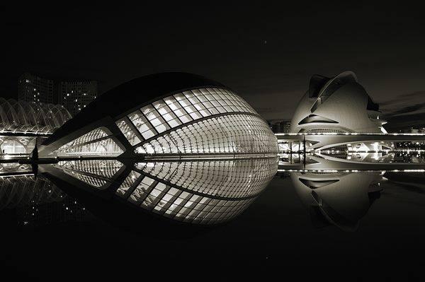 Ciudad de las ciencias y el arte en Valencia ,España by Santiago Calatrava