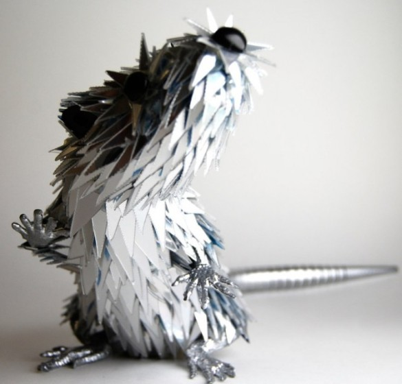 rodent-animal-mixed-media-sculpture-Sean-Avery-665x637