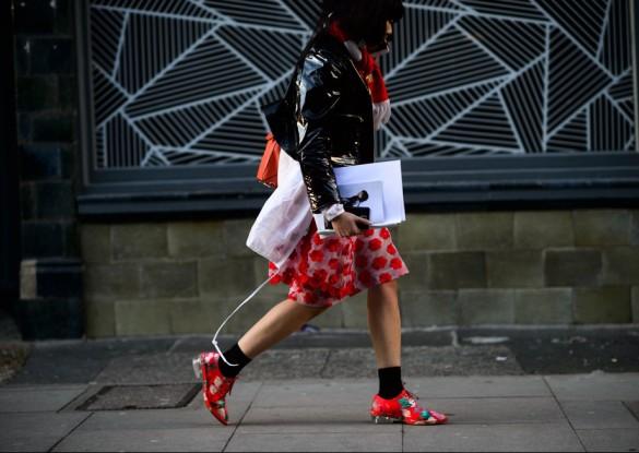 8423-Le-21eme-Adam-Katz-Sinding-Susie-Bubble-Lau-Vodafone-London-Fashion-Week-Fall-Winter-2015-2016_AKS6310