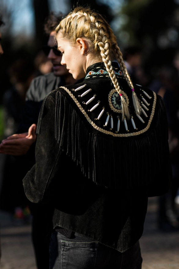 Milan Fashionweek FW 2015 day 2, outside costume national, detail hair